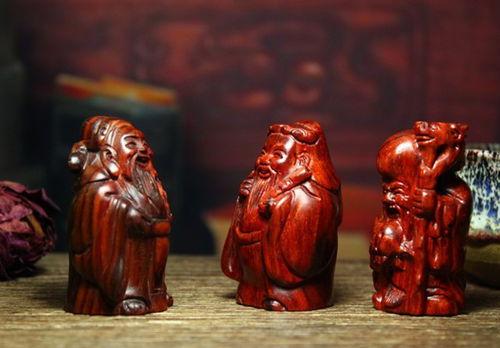 红木摆件走俏岁末礼品市场