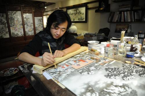 陶瓷艺术家欧阳敏:坚守艺术追求 做如玉般的瓷器